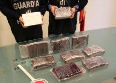 Napoli. Sequestrati 11kg di cocaina dalla Guardia di Finanaza