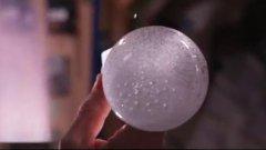 Bolle d'acqua effervescenti nello spazio. Gli esperimenti a bordo della ISS