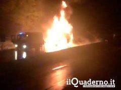 Incendio camion su Autostrada Napoli Bari
