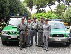 Gli agenti del Corpo Forestale dello Stato (foto di archivio)