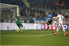 Il goal di Troest. Foto: Novara Calcio