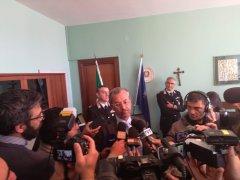 Conferenza stampa arresto rapinatore Montesarchio