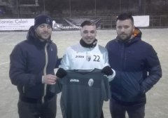 Campana Futsal - Gabriele Ciampa tra il team manager Salvatore Passariello e il dirigente Giuseppe Giraldi