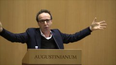 Benigni, show in Vaticano: