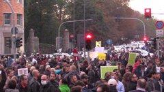 No Green Pass. In migliaia a Milano