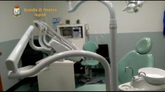 Napoli. Scoperto studio dentistico abusivo ad Arzano. Due denunciati