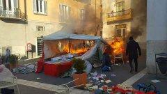 Stand libri usati dato alle fiamme