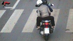 Napoli: si fingevano agenti antidroga per rapinare i ragazzi