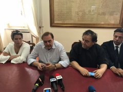 Clemente Mastella e Don Nicola De Blasio - scongiurata la chiusura del centro disabili