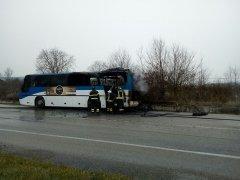 Incendio autobus EAV sulla Fondo Valle Isclero (24 feb 2017)