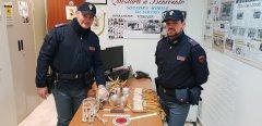 Sequestrati dalla Polizia fuochi pirotecnici pericolosi e munizioni
