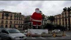 Napoli. Babbo Natale in Piazza Vittoria