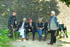 Pensionati (foto di Monica Arellano-Ongpin CC BY 2.0)
