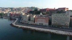 Spot di Expedia per raccontare Napoli