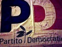 Bandiera PD imbrattata