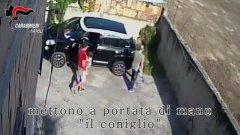 Napoli: 8 arresti nell'area Vesuviana per estorione a imprenditori
