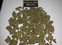 Droga sequestrata dalla Polizia di Stato (foto di archivio)