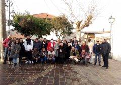 I migranti e gli abitanti di San Martino Sannita  (foto di archivio)