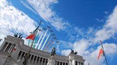 Roma, 2 giugno: il passaggio delle Frecce Tricolori