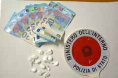 Polizia. Sequestrate 13 dosi di cocaina e denaro