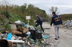 Maddaloni (Caserta), discarica abusiva sequestrata dalla Guardia di Finanza