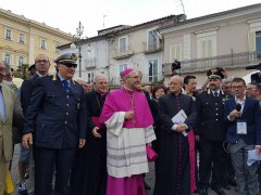 L'arrivo mons. Accrocca foto: profilo fb Caritas Benevento