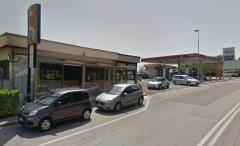 Distributore Esso e Bar, via Paolella
