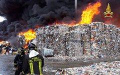 Incendio discarica Caivano