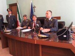 Guardia di Finanza Benevento - conferenza stampa indagine Ristoro'