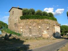 Appia antica (foto di archivio)