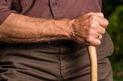 Anziano (foto di archivio)