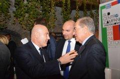 Domenico Parisi (al centro) con Alfano