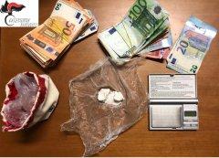 Droga e denaro sequestrati dai Carabinieri