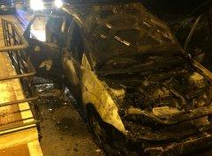 Auto in fiamme ad Airola