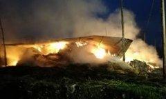 Capannone in fiamme (foto di repertorio)