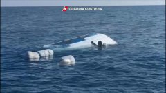 Salento, il motoscafo dei narcos affonda: in mare marijuana per 1 milione di euro