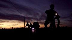 In bici di notte per 100 chilometri: tutto il fascino della Bike Night