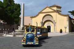 trenino in piazza Santa Sofia