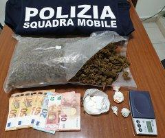 Spacciatore arrestato dalla Polizia al Rione Ferrovia, droga e denaro sequestrati